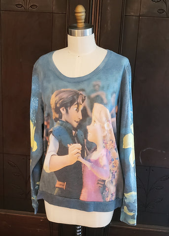 Tangled Sweatshirt (XL)