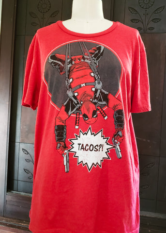 Deadpool Loves Tacos T-shirt (Large)