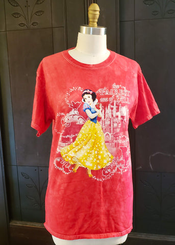 Snow White T-shirt (Medium)