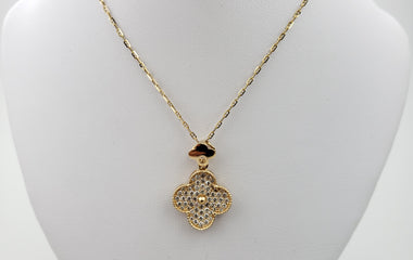 18kt Yellow Gold Necklace with Flower Shape Round Diamond Pendent - 69932