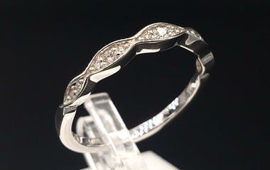 14kt White Gold Ring w/ Diamond Pave - Size 6 - Stackable