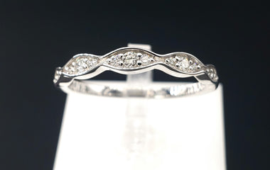 14kt White Gold Ring w/ Diamond Pave 0.13CTW - Size 6 - Stackable