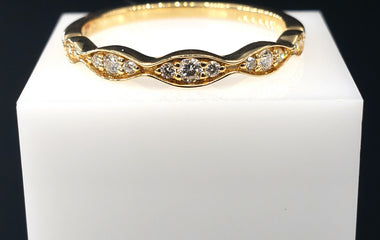 18kt Yellow Gold Ring with Round Diamond Pave Stackable