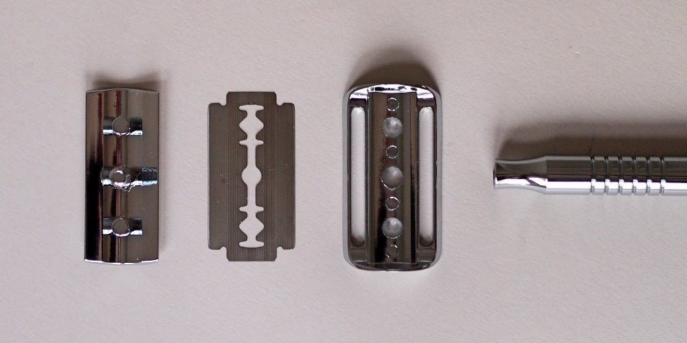 How to assemble a double edged safety razor