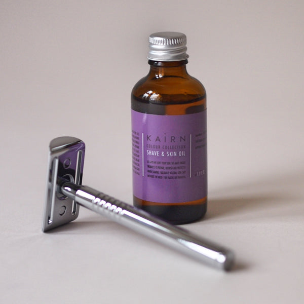 Scent free shaving oil and metal razor kit
