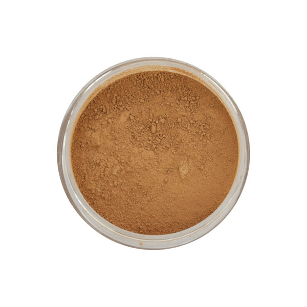 The mineral bronzer by the Finnish brand Flow Cosmetics makes your skin glow and gives you a naturally tanned look. The bronzer comes in gold shade: a warm, yellow-based colour that is suitable for warm skin undertones.