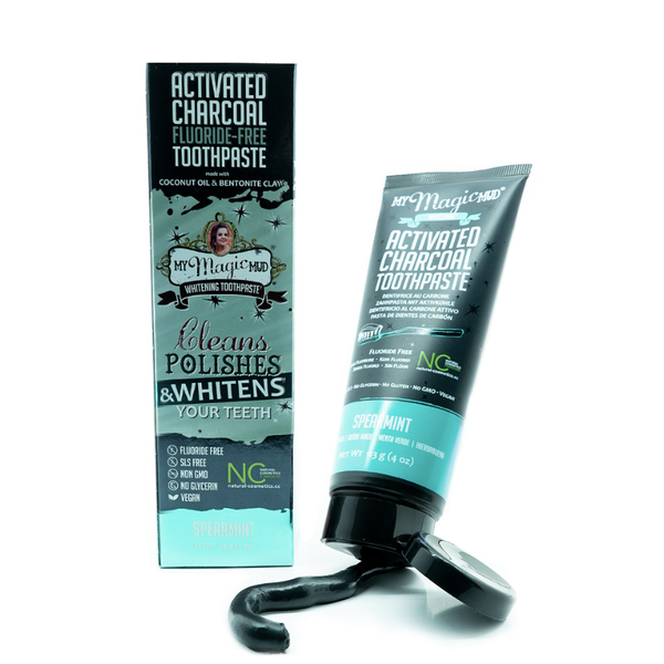 The activated charcoal toothpaste by the American hit brand My Magic Mud will make your teeth visibly whiter within two weeks. The clinically proven formula is not only effective, but completely safe for you and for the environment.  The toothpaste whitens and effectively cleans your teeth using only natural ingredients, such as activated charcoal, bentonite clay and organic essential oils. This product is vegan and free of harsh chemicals, such as fluoride and SLS.