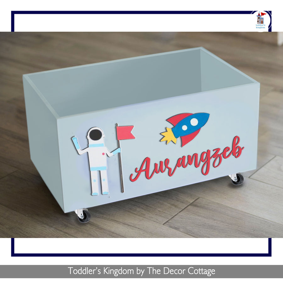 Astronaut Toy Box on wheels