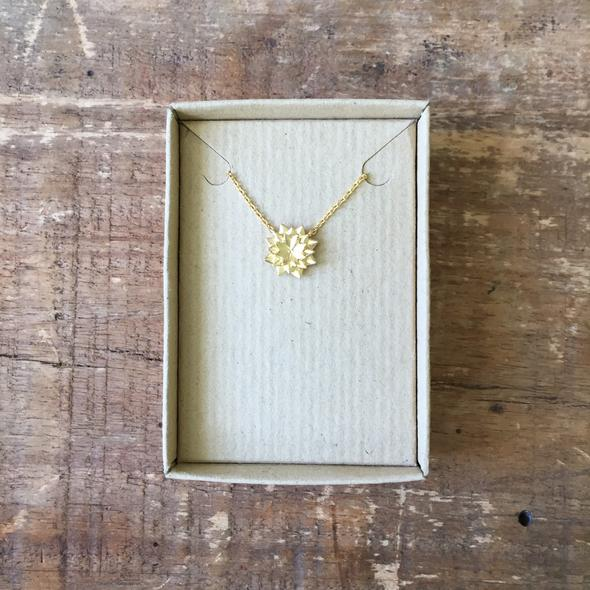 Sixton Lotus Necklace