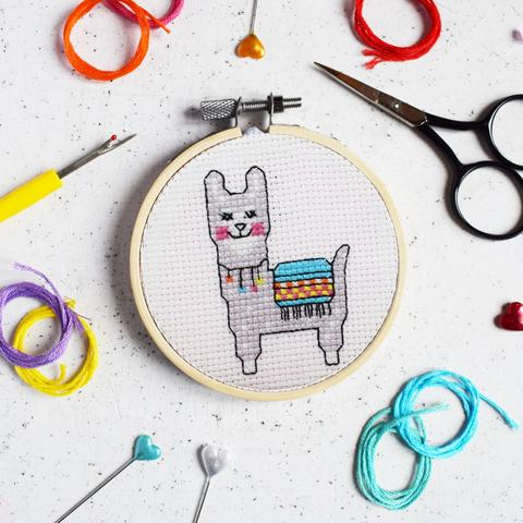 The Make Arcade - Lovely Llama Mini Cross Stitch Kit