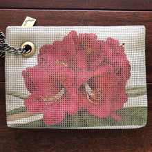 Load image into Gallery viewer, C.A.M Mesh Clutch- Floral