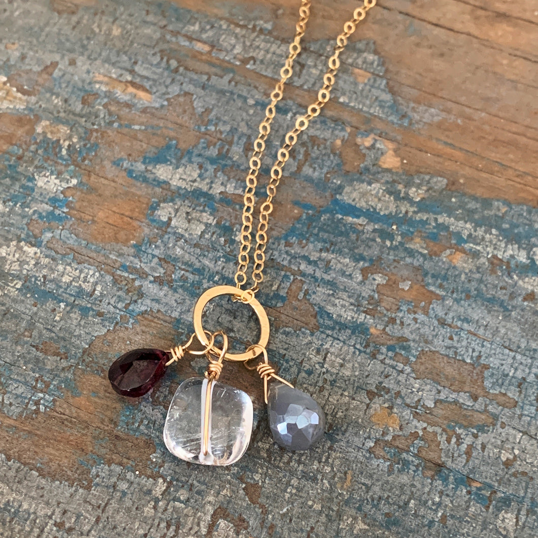 Gem Trio Necklace / Garnet