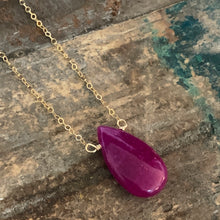 Allie Necklace / Magenta