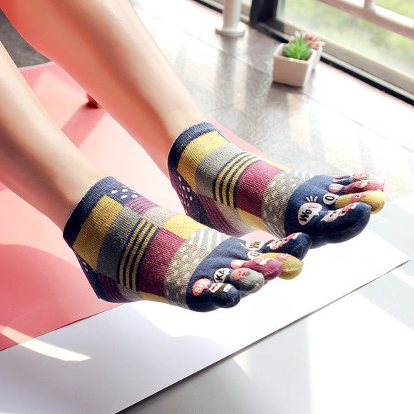 3x Five Finger Novelty Socks