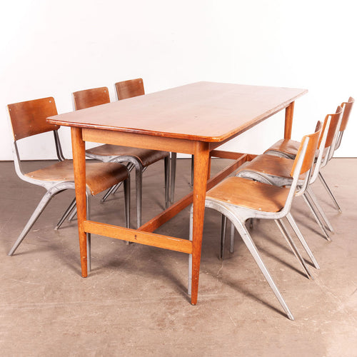 1950's Elegant Rectangular Dining Table With Tapered Turned Leg Detail
