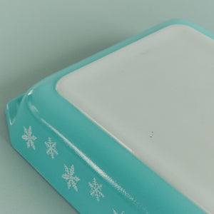 Vintage Pyrex Turquoise Gaiety Snowflake Shallow Serving Dish