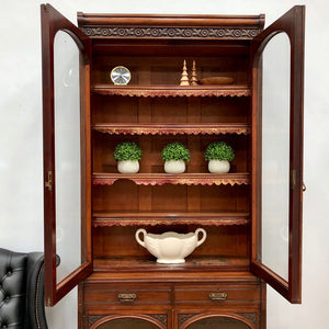 Early 20th Century Country House Quality Mahogany Dresser