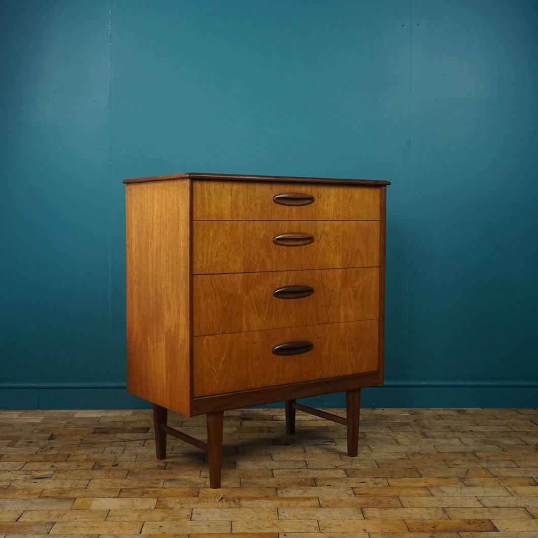 1960s Homeworthy Chest of Drawers
