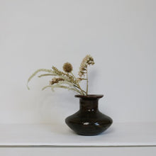 Load image into Gallery viewer, STONEWARE BUD VASE