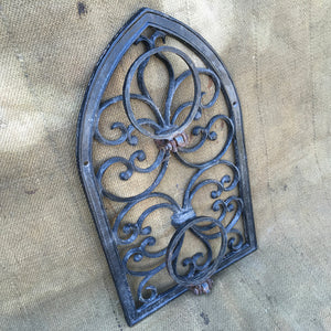 Cast Metal Wall Mountable Garden Pot Holder