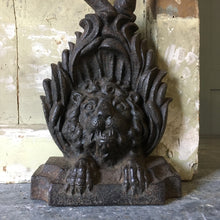 Load image into Gallery viewer, Antique cast iron lion doorstop / porter