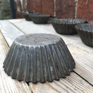 Vintage Metal Cupcake Moulds / Tins