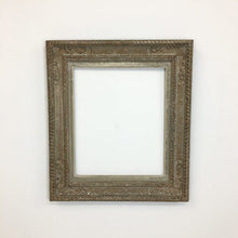 Load image into Gallery viewer, Medium Antique Picture Frame