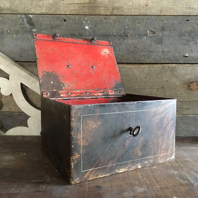'Faux bois' steel strong box