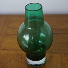 Load image into Gallery viewer, Finnish Riihimaki Glass Vase C.1960s 1371
