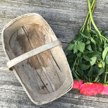 Load image into Gallery viewer, Rustic Vintage Garden Flower Vegetable Trug
