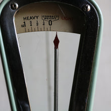 Load image into Gallery viewer, Vintage Avery Scales
