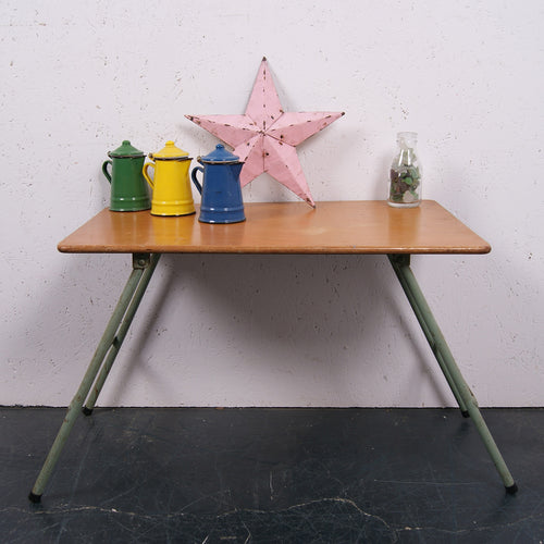 Children's small foldable green metal legged table