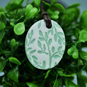 Botanical Diffuser Necklace (Green/White) - The Oily Blends