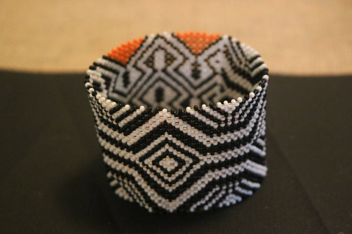 Art# K4  3.5 inch Original Kayapo Traditional Peyote stitch Beaded Bracelet from Brazil.