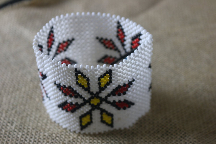 Art# K21   4 inch Original Kayapo Traditional Peyote stitch Beaded Bracelet from Brazil.