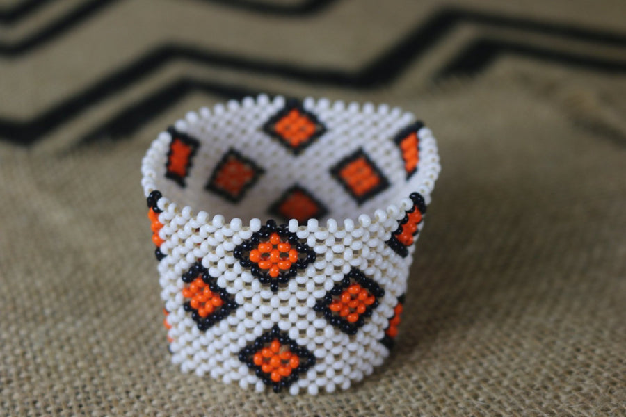 Art# K49  3.5 inch Original Kayapo Traditional Peyote stitch Beaded Bracelet from Brazil.