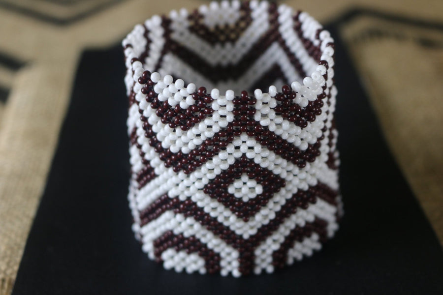 Art# K70  3.5+ inch Original Kayapo Traditional Peyote stitch Beaded Bracelet from Brazil.