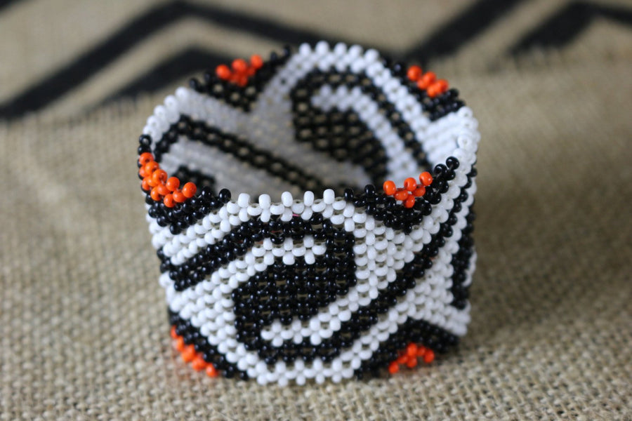 Art# K95  3.5 inch Original Kayapo Traditional Peyote stitch Beaded Bracelet from Brazil.