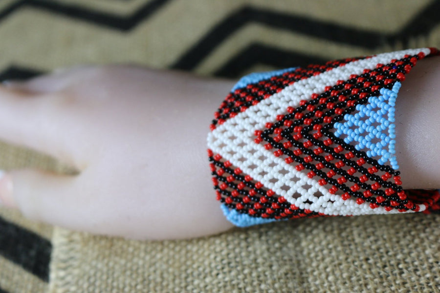 Art# K96  4 inch Original Kayapo Traditional Peyote stitch Beaded Bracelet from Brazil.