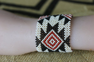 Art# K112  3.5 inch Original Kayapo Traditional Peyote stitch Beaded Bracelet from Brazil.