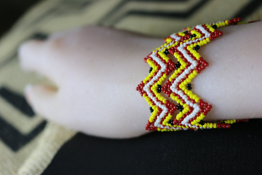 Art# K121  Original Kayapo Traditional Peyote stitch Beaded Bracelet from Brazil.
