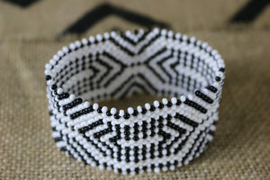 Art# K123  4 inch Original Kayapo Traditional Peyote stitch Beaded Bracelet from Brazil.