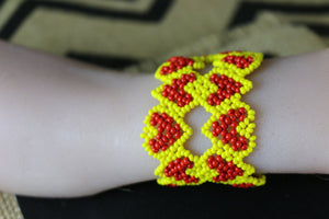 Art# K148 3.5+  inch Original Kayapo Traditional Peyote stitch Beaded Bracelet from Brazil.