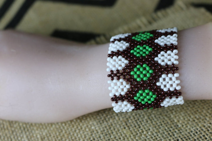 Art# K151 3.5+ inch Original Kayapo Traditional Peyote stitch Beaded Bracelet from Brazil.