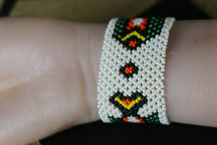 Art# K153  3+ inch Original Kayapo Traditional Peyote stitch Beaded Bracelet from Brazil.