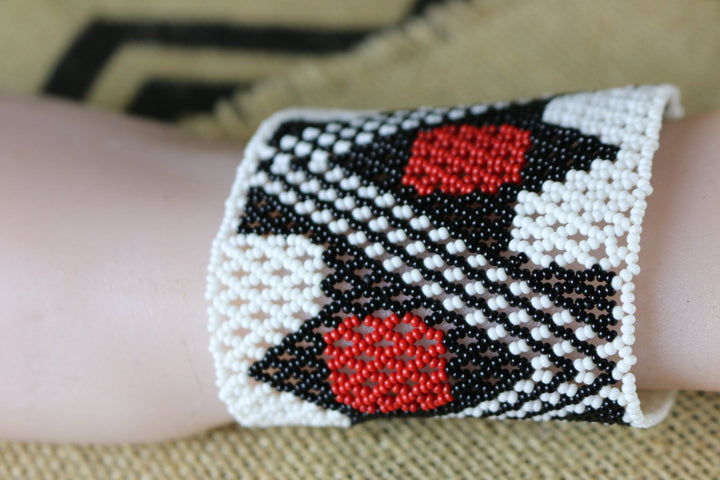 Art# K163 3.5 inch + Original Kayapo Traditional Peyote stitch Beaded Bracelet from Brazil.