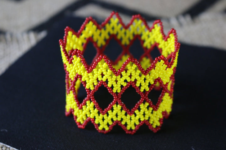 Art# K172 3 inch Original Kayapo Traditional Peyote stitch Beaded Bracelet from Brazil.