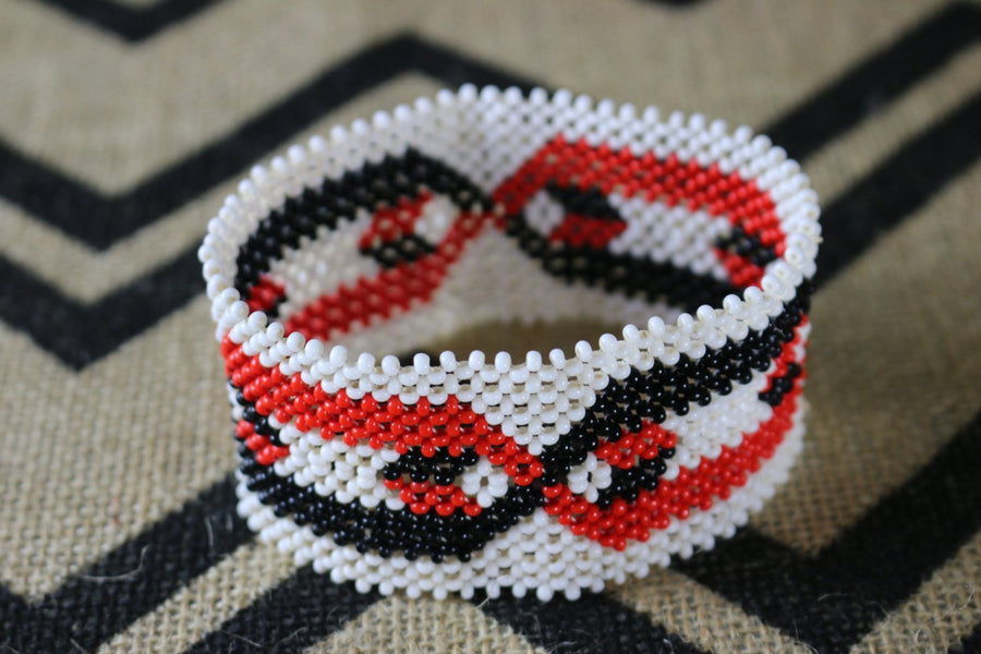 Art# K189  4+inch. Original Kayapo Traditional Peyote stitch Beaded Bracelet from Brazil.