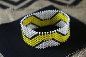 Art# K194  3.5+ inch. Original Kayapo Traditional Peyote stitch Beaded Bracelet from Brazil.