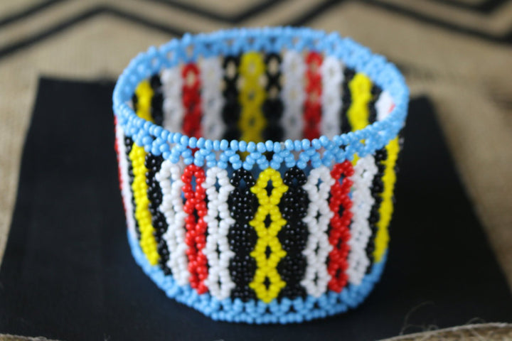 Art# K199  4+ inch. Original Kayapo Traditional Peyote stitch Beaded Bracelet from Brazil.
